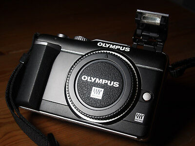 Boxed Olympus Pen E-Pl1 Black Only 851 Shutter Count + Extras Kit Bundle
