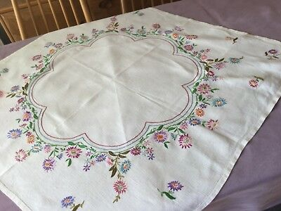 "Very Pretty Vintage Linen Tablecloth Hand Embrodered 32"" x 33"""