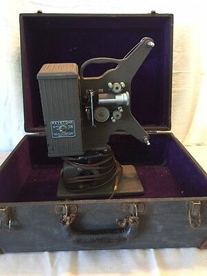 Vintage Keystone 16 mm Movie Projector Model C-26 With Carrying Case