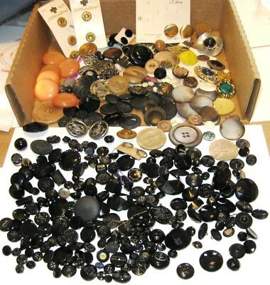 Large Lot of Assorted Antique and Vintage Buttons, Cards Glass Plastic Wood Horn