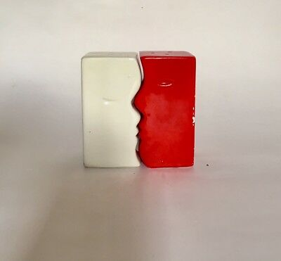 Vintage AMERICANA Red White Salt and Pepper Shakers Collectibles decor ceramic