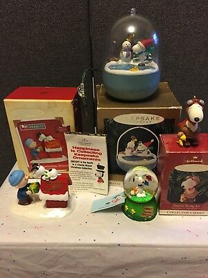 Peanuts Gang Charlie Brown Snoopy Christmas Ornaments & Snow Globe