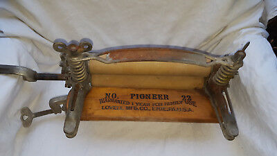 Antique Laundry Clothing Wringer Press Pioneer No. 22 Lovell Mfg Co. Erie, PA