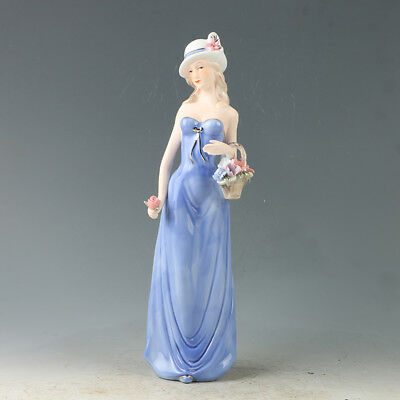 Chinese Porcelain Handwork Carved Beauty Pattern Statue RC002.a