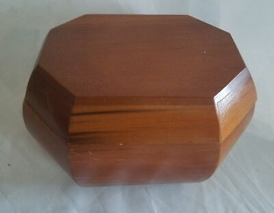 Vintage Wood Trinket Collectible Box With Lid Hand Crafted