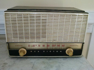 Vintage RCA VICTOR Model 8-X-9D TUBE RADIO - not working - circa 1950- ew Jersey