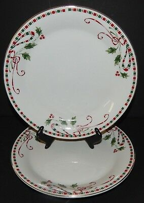 2 Home Essentials Tartan Ribbon Holiday Christmas Holly Berries Dinner Plates