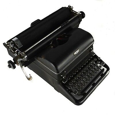 Royal Standard Typewriter Magic Margin Antique Black KMM Heavy