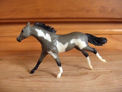 Breyer Stablemates G2 Running Thoroughbred Blue Roan Pinto #5981