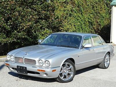 2003 Jaguar XJR XJR XJR PLATINUM/OATMEAL. CHROME APOLLO RIMS! CALIFORNIA CAR!! LOW MILES! GORGEOUS!!