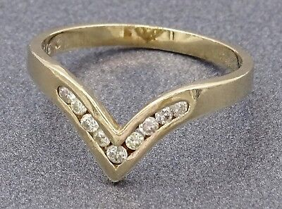 REDUCED TO SELL - VINTAGE 9ct Yellow Gold Diamond Ring