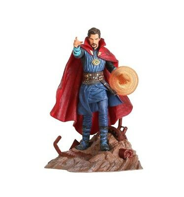 Diamond Marvel Gallery Figurine - Avengers Infinity War - Doctor Strange