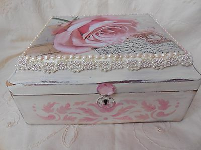 Vintage French Country Cottage Shabby Romantic Keepsake/Jewelry Box Hand Painted