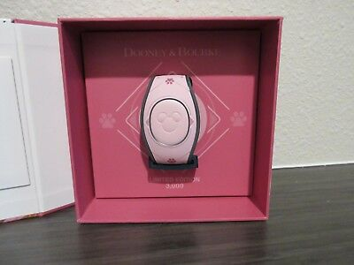 NEW Disney Dogs Dooney And Bourke Magicband Magic Band 2 LE 3000 in Hand