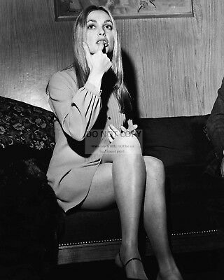 Actress Sharon Tate - 8X10 Publicity Photo (Rt367)