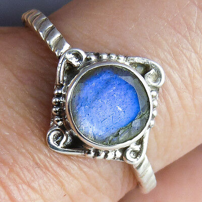 Gemstone FEATURE Ring Size US 8 SilverSari Solid 925 Sterling Silver MOONSTONE