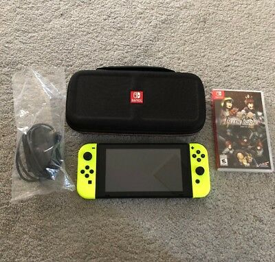 Nintendo Switch - 32GB Gray Console (with Neon Yellow Joy-Con) Bundle