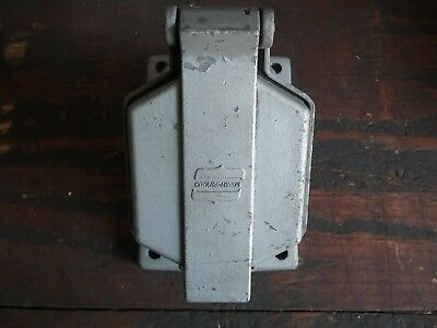 Crouse-Hinds CPS-152 R, 20A, 1 Hp, 2W, 3P, 60 Hz Circuit Breaking CPS Receptacle