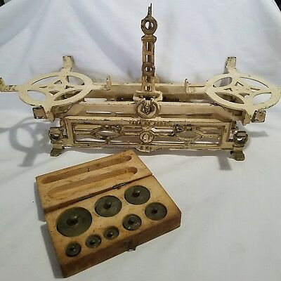 ANTIQUE 3KG BALANCE SCALE CAST IRON WHITE With Brass Weights Apothecary Decor