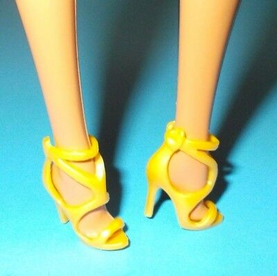 2017 Barbie Shoes Model Muse Holiday Doll Footwear Yellow Gold Heels Accessory