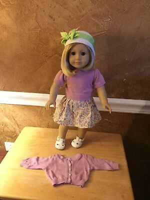American Girl Doll Kit Kittridge with Original Meet Outfit And Shoes. Excellent