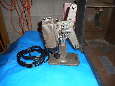 Vintage Revere 8Mm Movie Film Portable Projector With Black Case