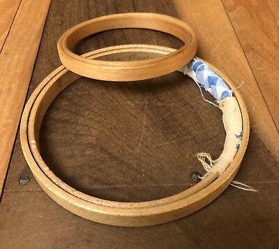 """2 Vintage Wood Embroidery Hoops 3"""" 4"""" Round Felt Pad Fabric Wrapped Tension B1"""