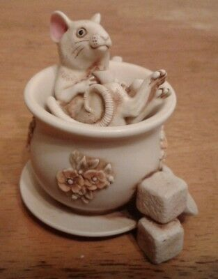 Harmony Kingdom - BELLE HELENE - MOUSE IN TEACUP - SPECIAL PRICE