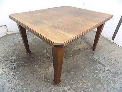 walnut,dining table,table,square legs,castors,kitchen,dining ,antique,victorian