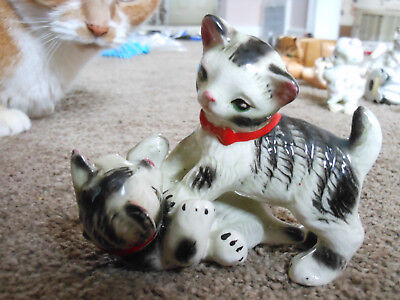 Vintage Tumbling Striped Kitty Cats With Red Collars, Incised Nc Mark, Perfect