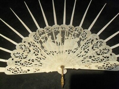 Old Diepe 19th Century Victorian Carved Fan Mount Sticks Eventail Chinese Facher