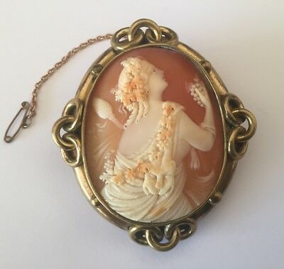 Antique Victorian Large Exquisite Carved Cameo Brooch