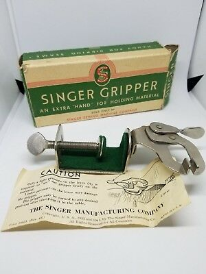 VTG Singer Sewing Machine Fabric Gripper Attachment 121318 Material Holder
