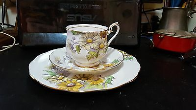"ROYAL ALBERT TRIO No 4 ""DAISY"" FLOWER of THE MONTH SERIES Cup & Saucer plate"