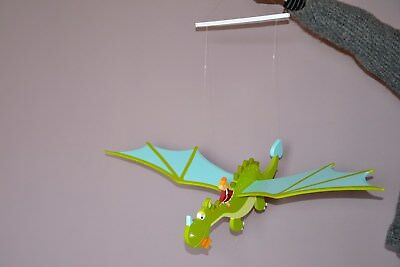 Mobile dragon en bois
