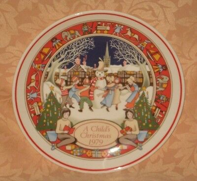 "MINT & UNUSED Wedgwood 1979 A Child's Christmas 8"" Plate - MADE IN ENGLAND"