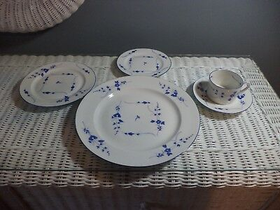 A.Vignaud Limoges 40pc Dinnerware Set, China Beautiful Cobalt Blue flowers white