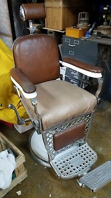 Vintage Barber Chair, 1930-1940 Emil Paidar, Chicago, USA, Great Condition