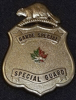 Vintage - Garde Special /special Guard - Canadian Badge - Nice Embossed Beaver