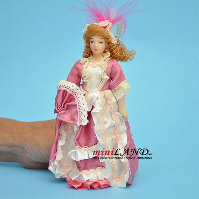 1:12 Doll House Miniature Porcelain Doll Lady Figures With Pink Bathrobe Toys & Hobbies