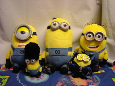 BUNDLE OF MINIONS Soft Toys Inc Dracula Guard Thinkway Despicable Me