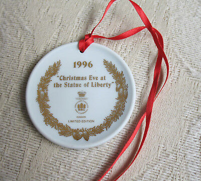 Bing & Grondahl CHRISTMAS EVE AT THE STATUE of LIBERTY 1996  Ornament MINI Plate