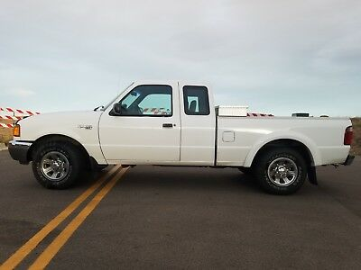 2002 Ford Ranger  2002 Ford Ranger XLT Super Cab, bed liner, utility box