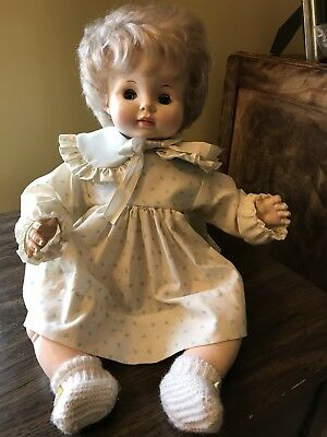 "1969 Vintage Effanbee baby doll 18"" tall #9469 Sleepy eyes w/Non Working ""Crier"""
