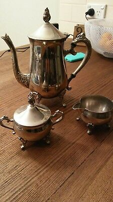 Vintage Silver Plated Teaset in Great condition. Just needs a clean to bring it