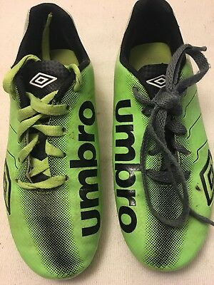 4ed210167 Umbro Boys or Girls Arturo Soccer Shoes Cleats Youth Kids Size 3 Green Black