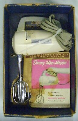 "Vintage Beige Dormeyer ""DORMEY"" 5 Speed Electric Hand Held Model 7500 Mixer"