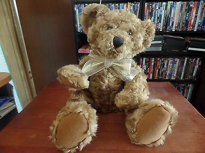 2002 Avon Talking Plush Bear-Talks in 6 Languages #1015