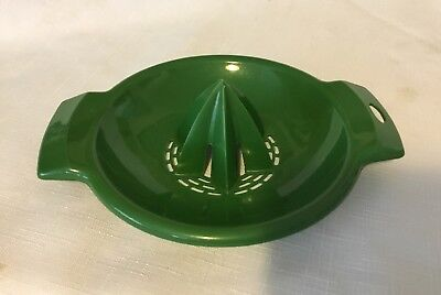Vintage Villaware Citrus Juicer~Squeezer Avocado Green Plastic Hand Held USA