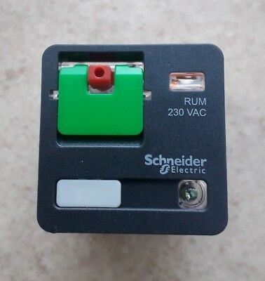 Schneider Electric 11 Pin  Relay 3CO 10A 230VAC MPN: RUMC32P7